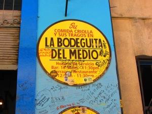 Locale storicamente frequentato da personaggi famosi del passato, che tramite foto, firme nelle pareti, graffiti e oggettistica varia, hanno lasciato il segno del loro passaggio in questo ristorante. Salvador Allende, Pablo Neruda, lo scrittore Ernest Hemingway, sono solo alcuni che in passato frequentarono questo locale