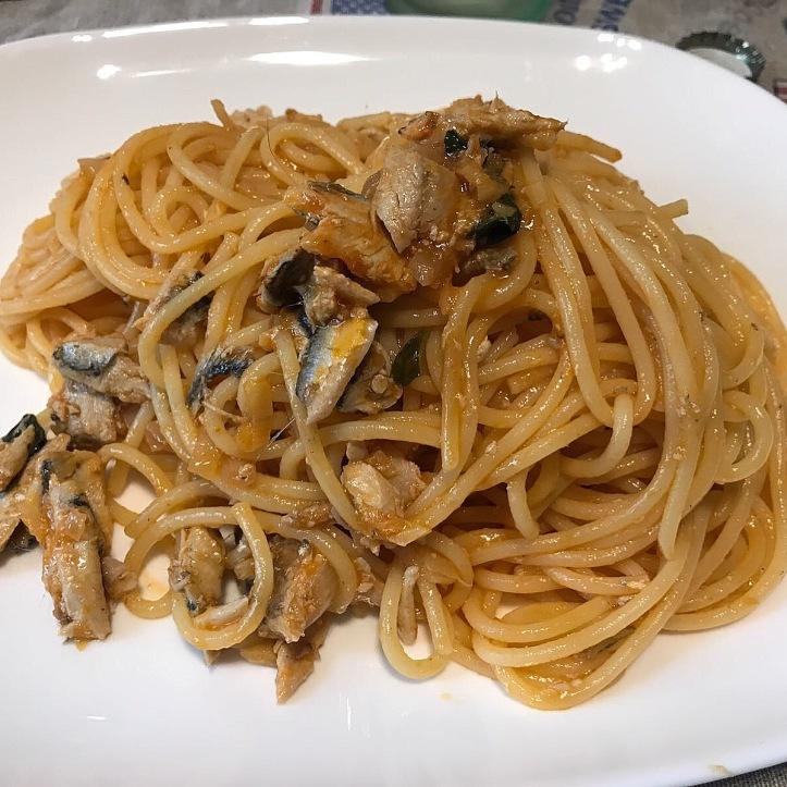 Spaghetti con acciughe